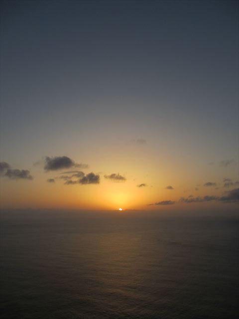 父島から眺めた夕日