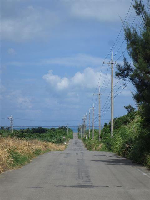 まっすぐな道-小浜島